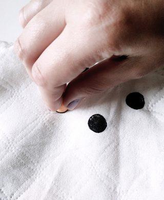 fazendo capa de almofada de bolinha